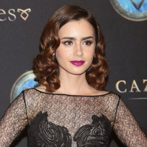 Lily-Collins-Curled-Hair