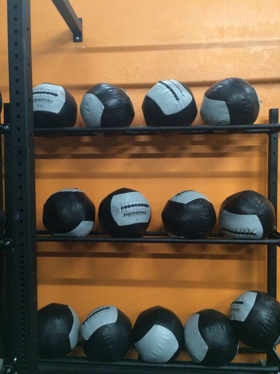 Box CrossFitXIII - Medicine Balls