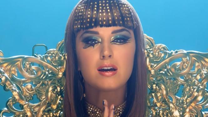 Katy-Perry-Cleopatra
