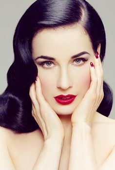 dita-von-teese-make-up