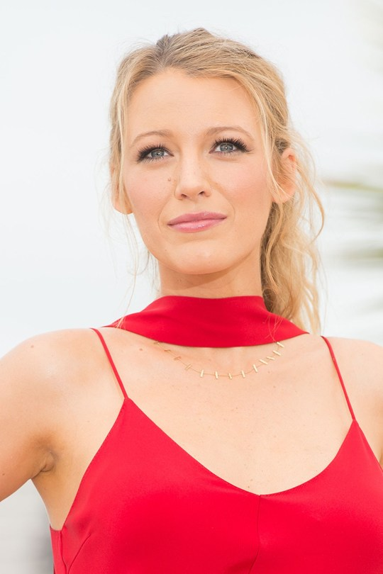blake-lively-cannes-ponytail